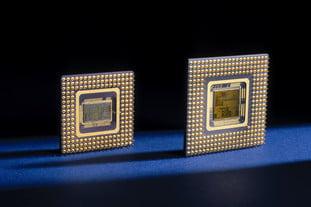 Bộ vi xử lý Intel 486 và Pentium, 1989 và 1992.