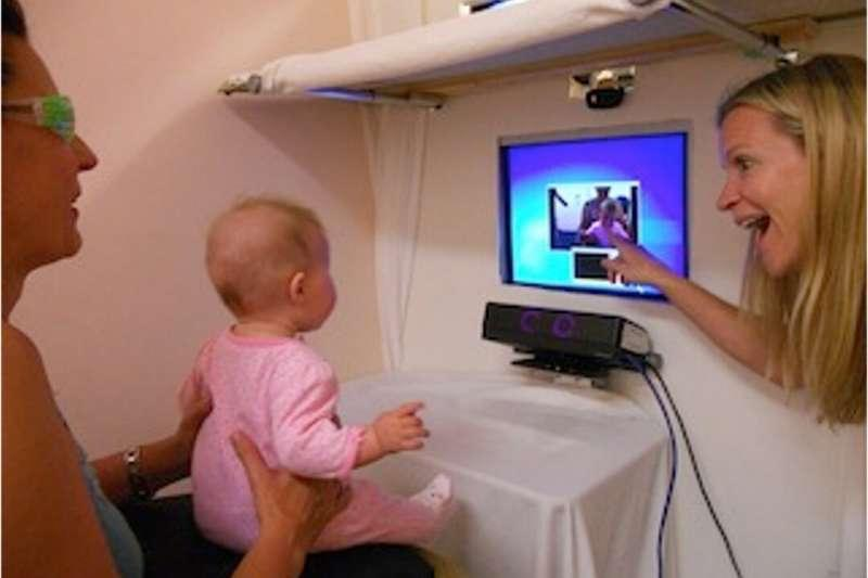 Researcher finds that sign-language exposure impacts infants as young as 5 months old